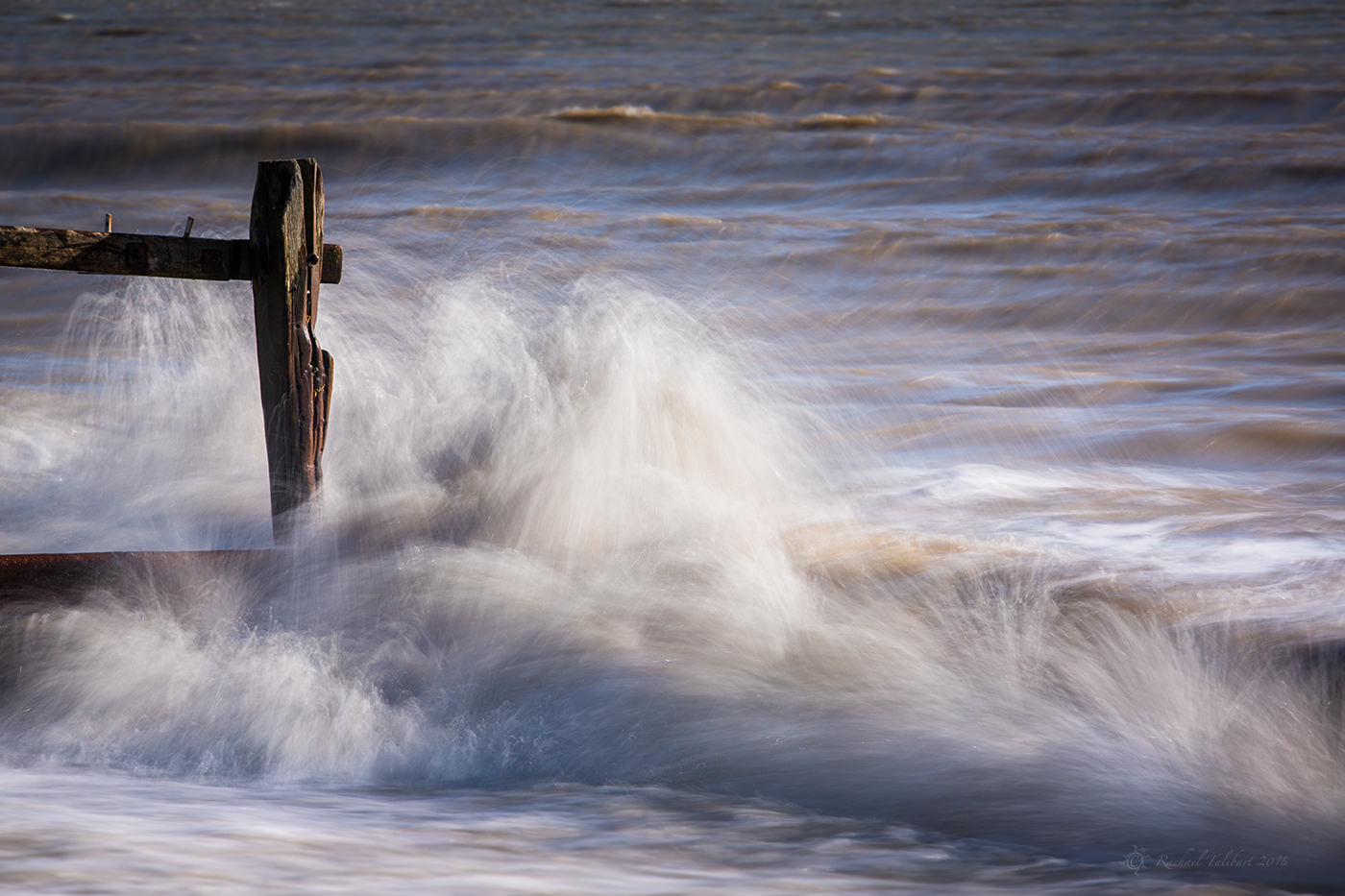 waves and breakwater